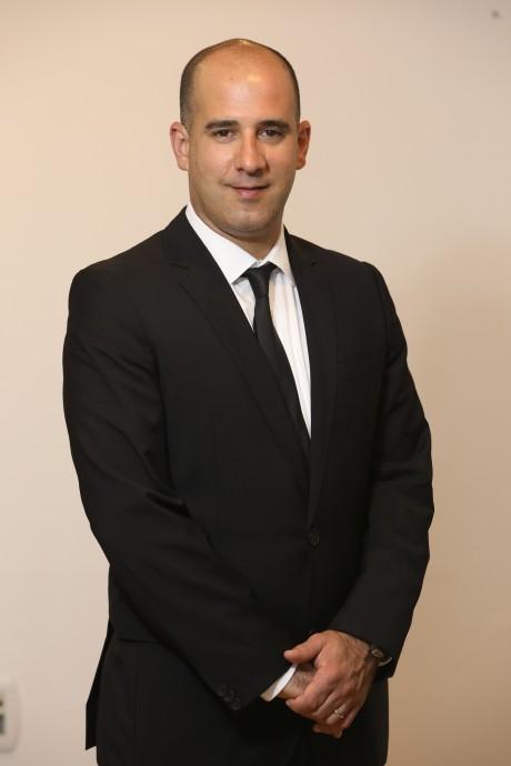 עורך דין אביב רונן